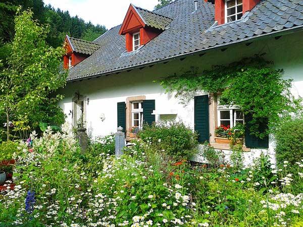 Der Cottage Garten - englisches Landflair in den heimischen Garten holen