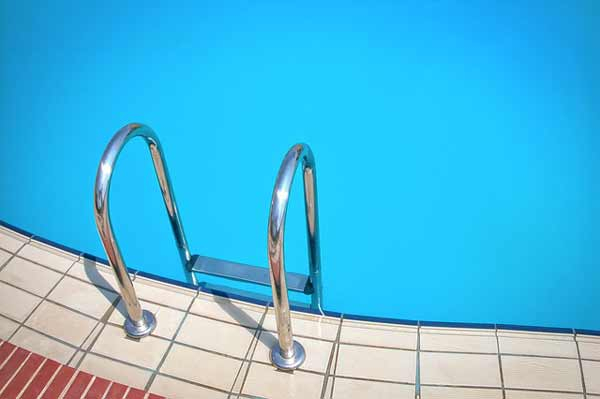 Pool mit Pooltreppe